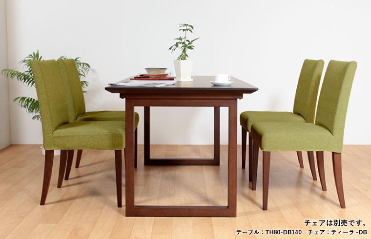 木部が同色カラーのチェア&ベンチで統一感UP